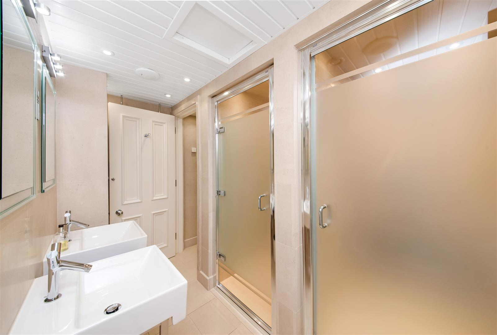 SHOWER/CHANGING ROOMS